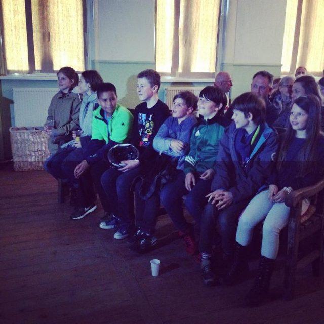 Junge Filmemacherinnen vor der Premiere ihres ersten Films Abenteuer inhellip